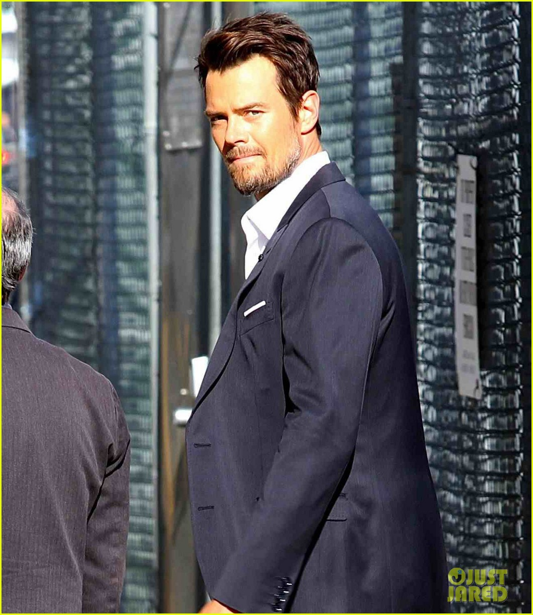 josh duhamel 132 pound scrotum for jimmy kimmel live 01