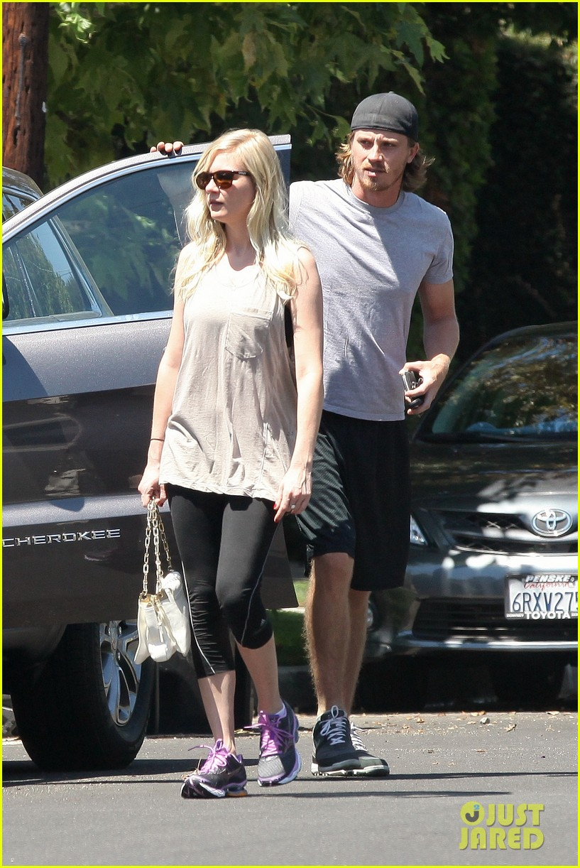 kirsten dunst garrett hedlund workout wednesday 06