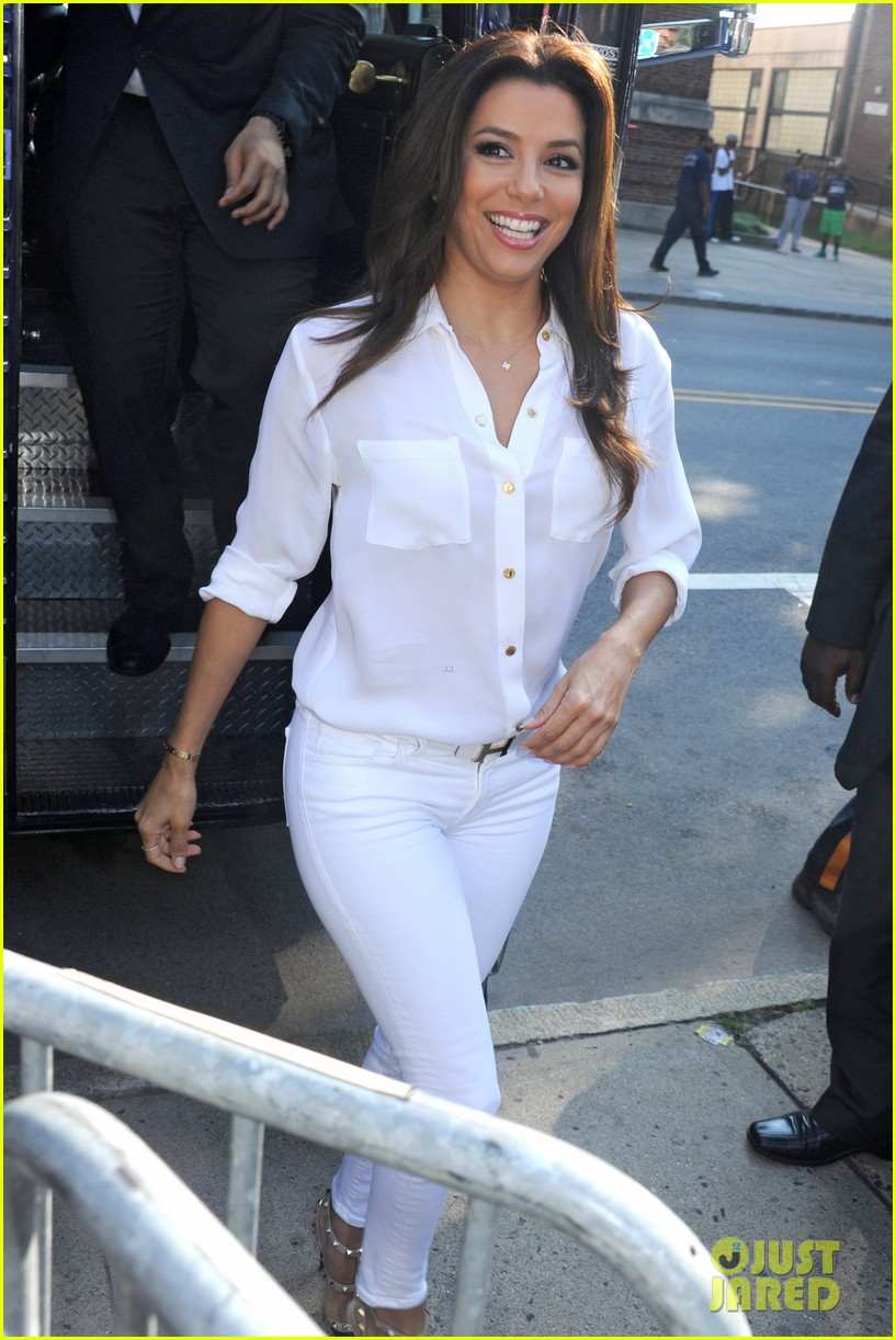 eva longoria supports cory booker for senate race 032929352