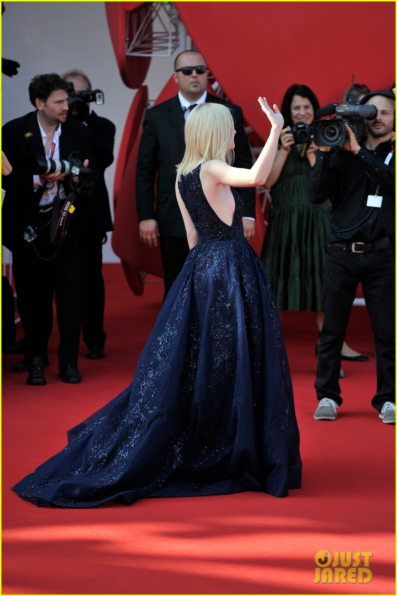 dakota fanning jesse eisenberg night moves venice premiere 12