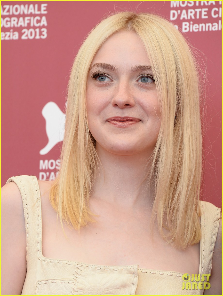dakota fanning jesse eisenberg night moves venice photo call 142941146