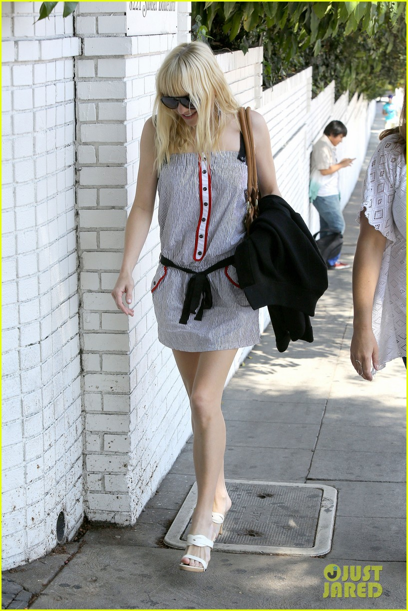 anna faris being a mom creates different priorities 032929263