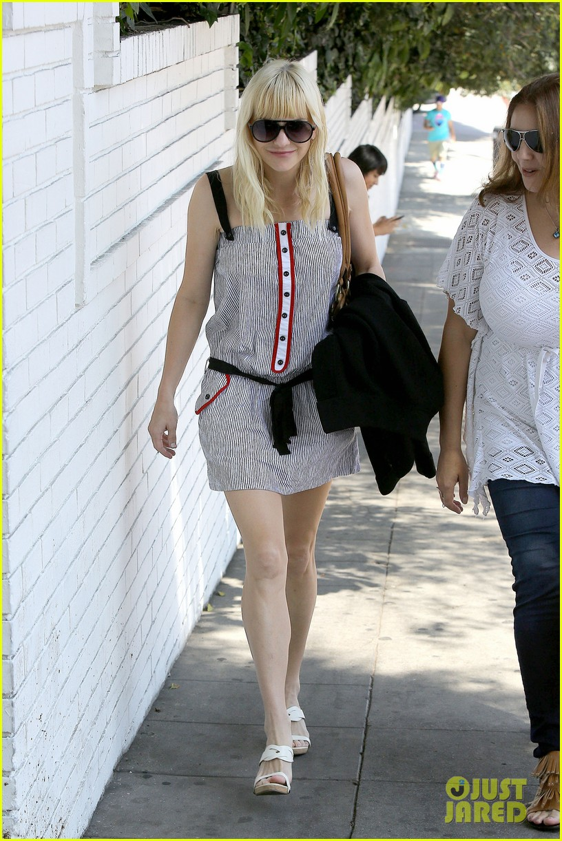 anna faris being a mom creates different priorities 06