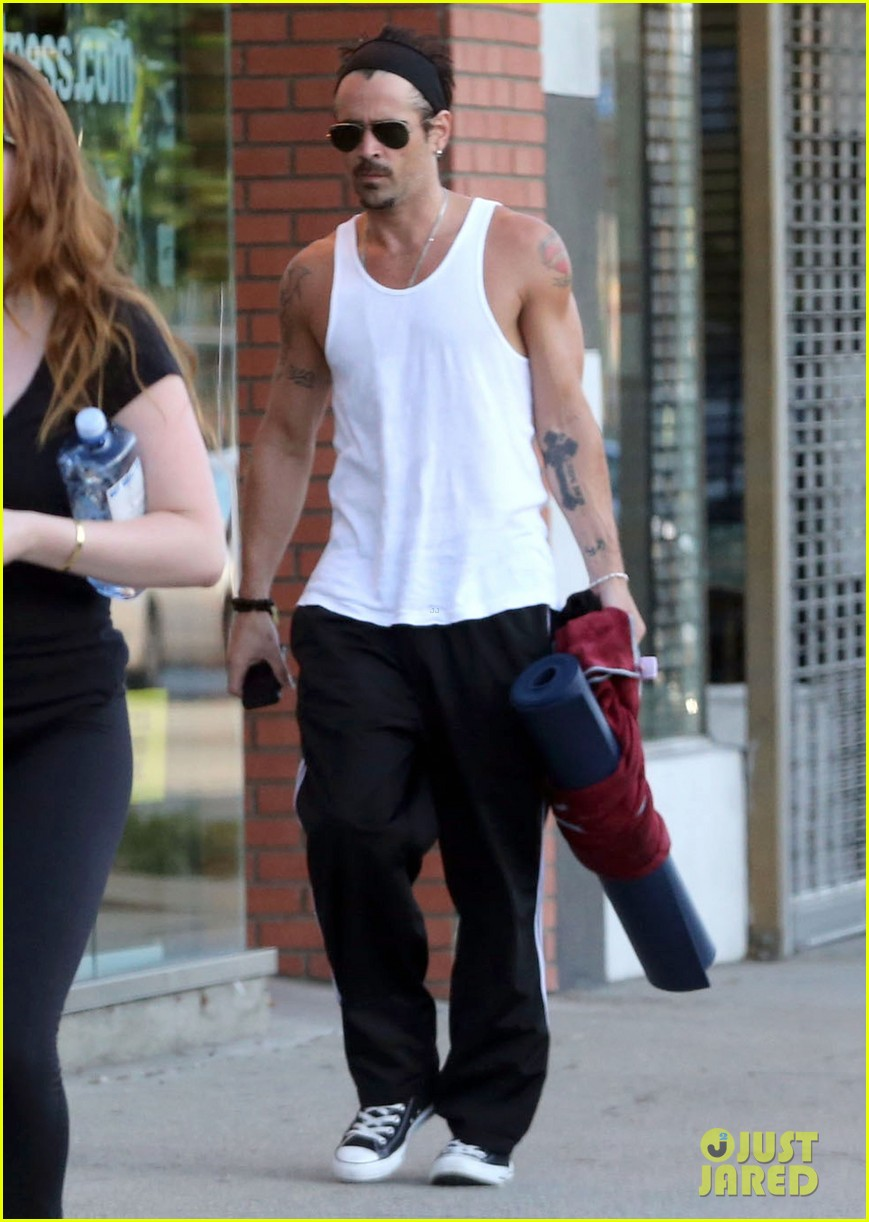 colin farrell bulging biceps at yoga class 072923782