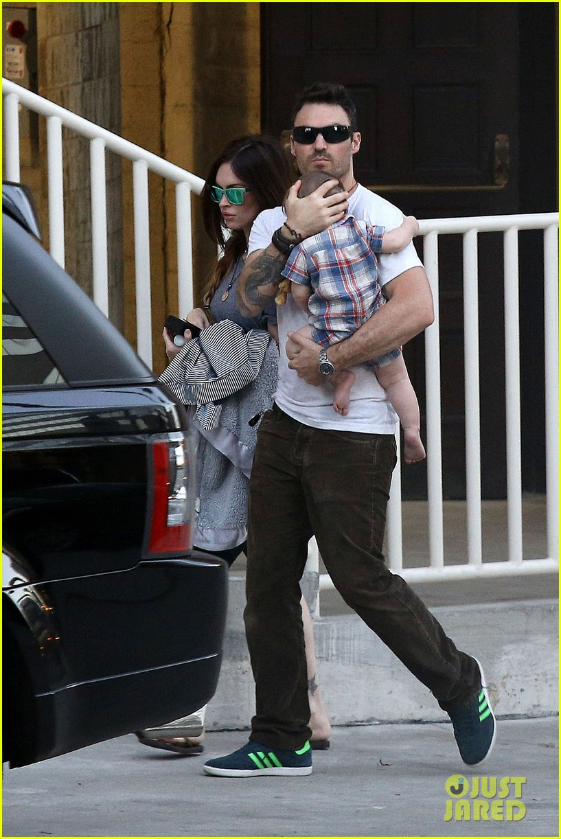 megan fox brian austin green sunday lunch with baby noah 10