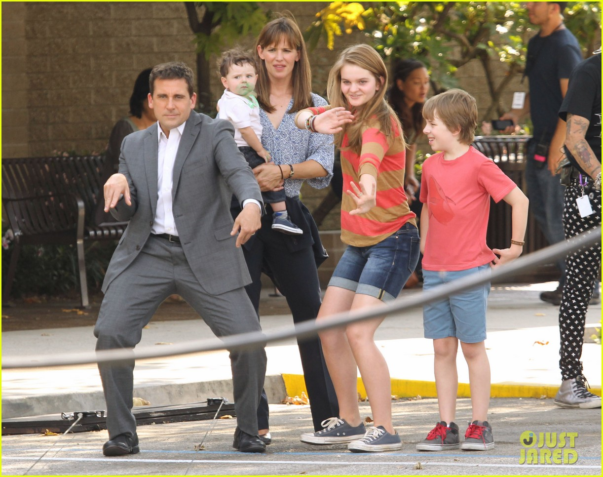 jennifer garner steve carell family freakout for alexander 172938755