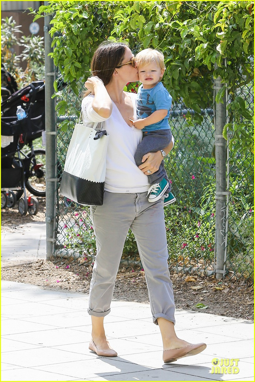 jennifer garner natural history museum education for kids 182922913