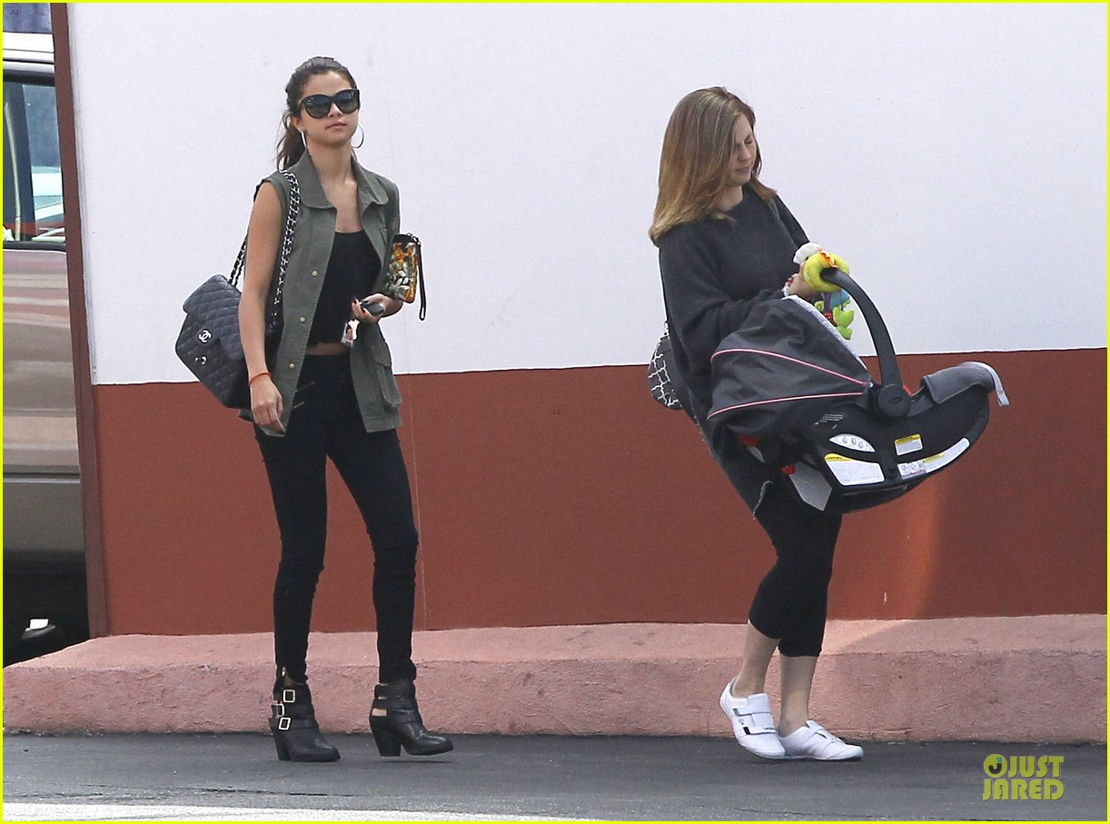 selena gomez bonds with baby sister gracie 082927441