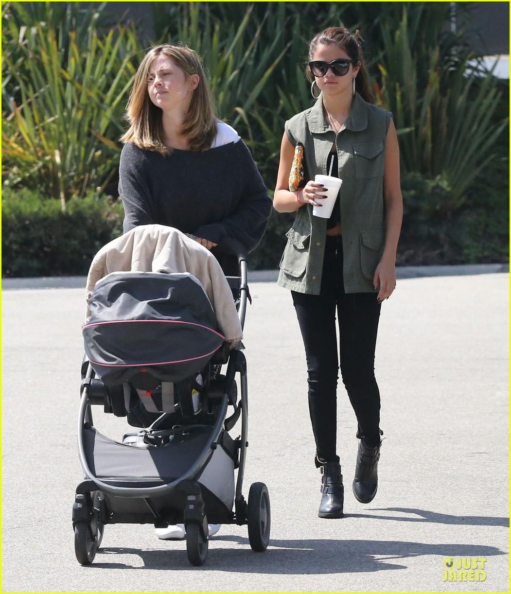 selena gomez bonds with baby sister gracie 27