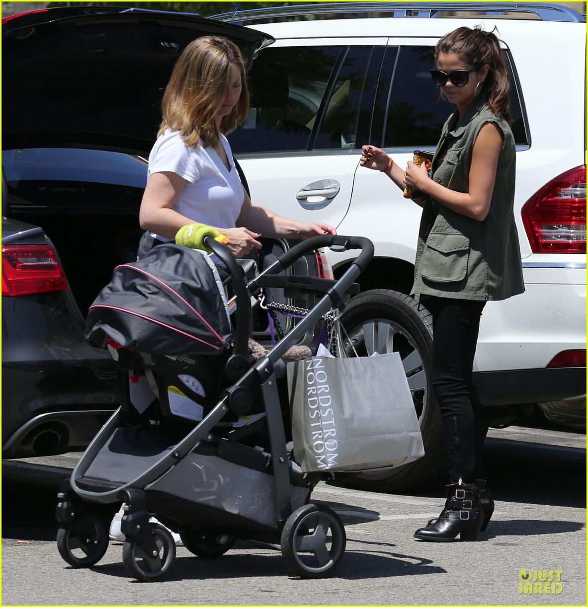 selena gomez bonds with baby sister gracie 33