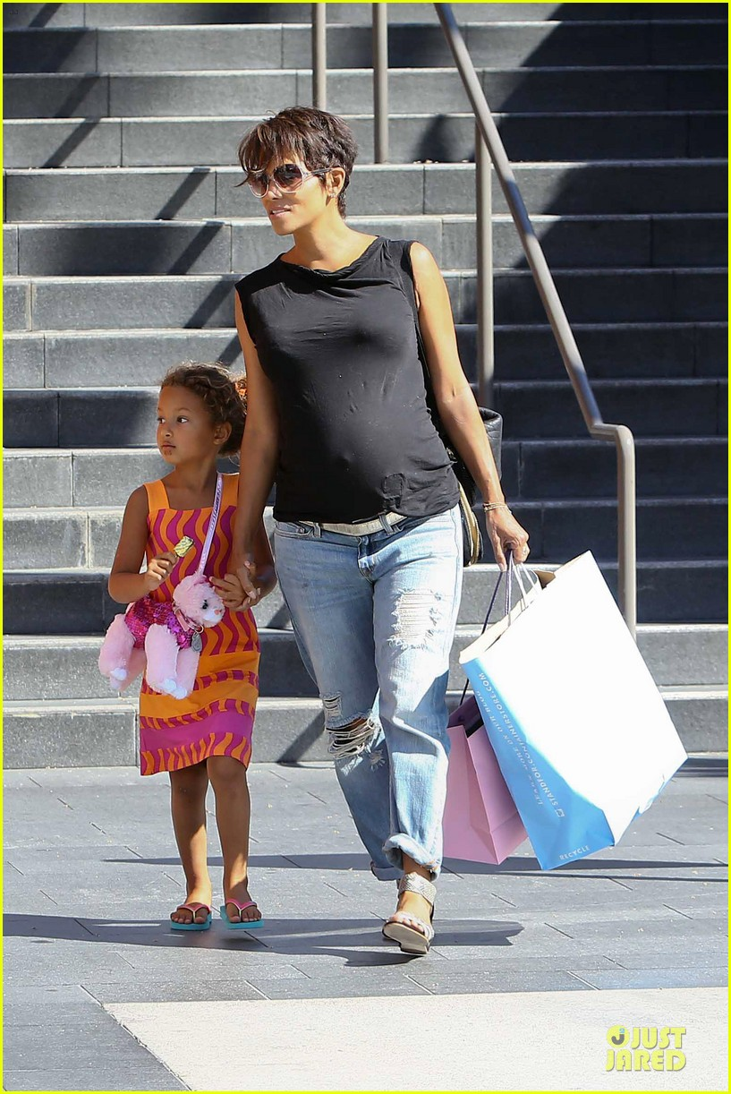 halle berry pregnancy colored involvement on x men 152924496