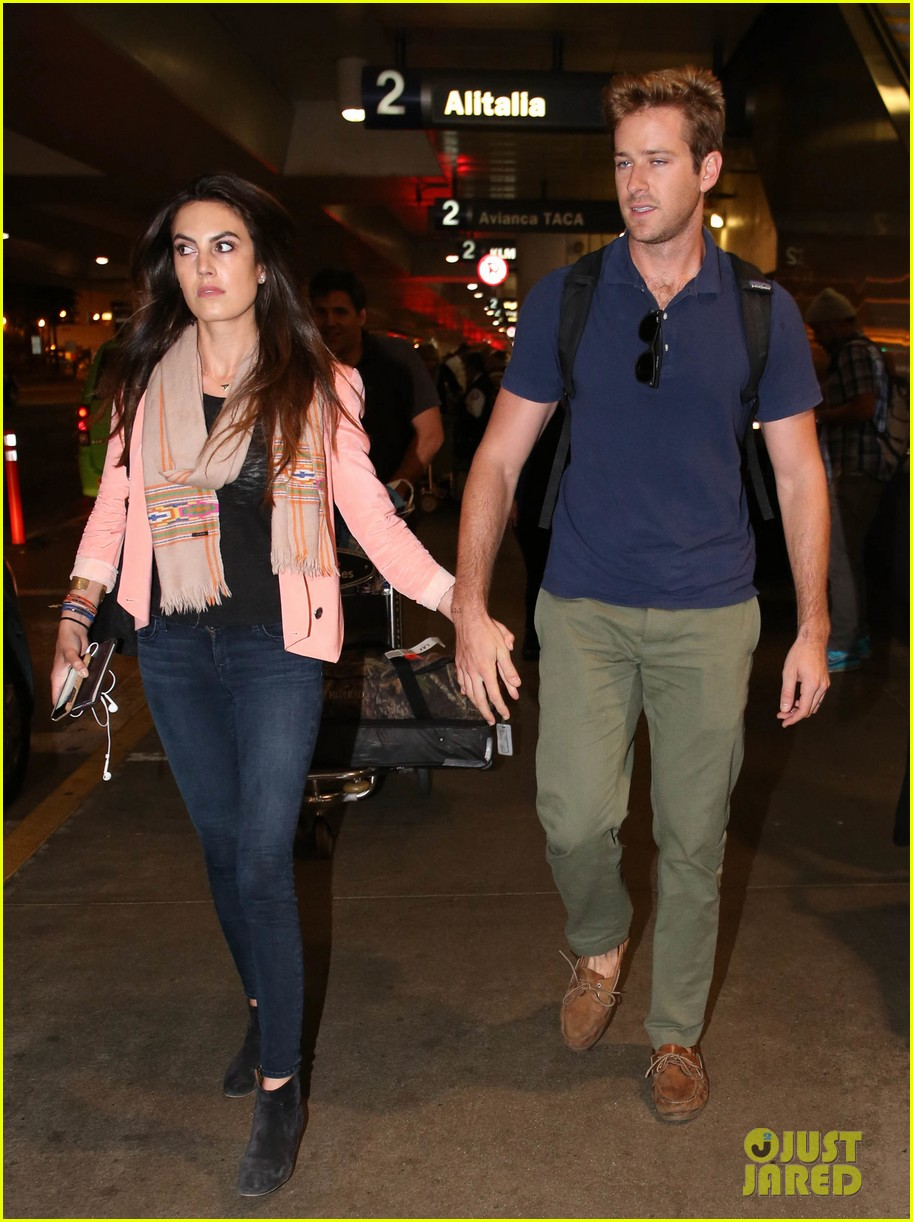 armie hammer elizabeth chambers post b day lax arrival 022940541
