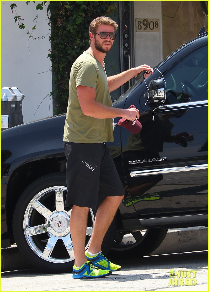liam hemsworth steps out after paranoia disappoints 142933487