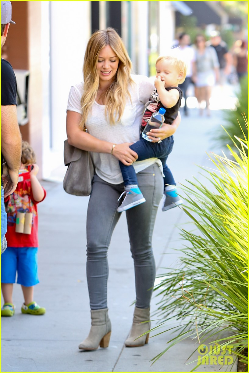 hilary duff mike comrie we definitely want more kids 012932576