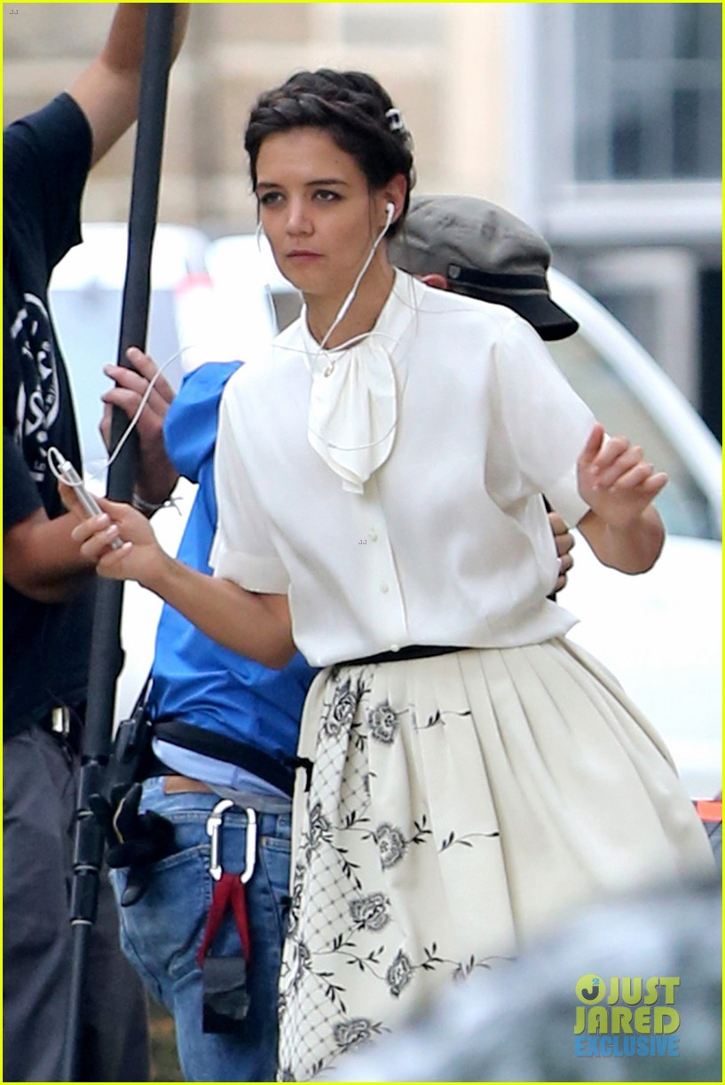 katie holmes dances along to songs on miss meadows set 122939806