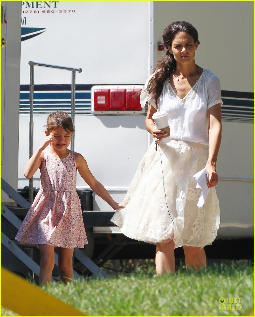 katie holmes white wedding dress on miss meadows set 07