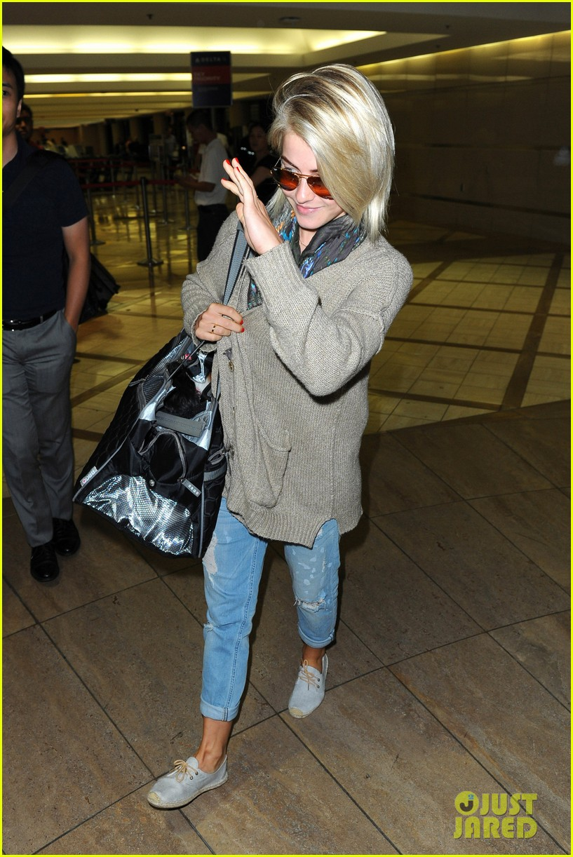 julianne hough flies out of lax after girls night 372936174