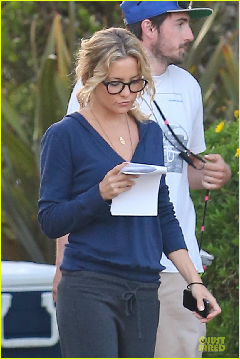 kate hudson wears two outfits on wish i was here set 252931812