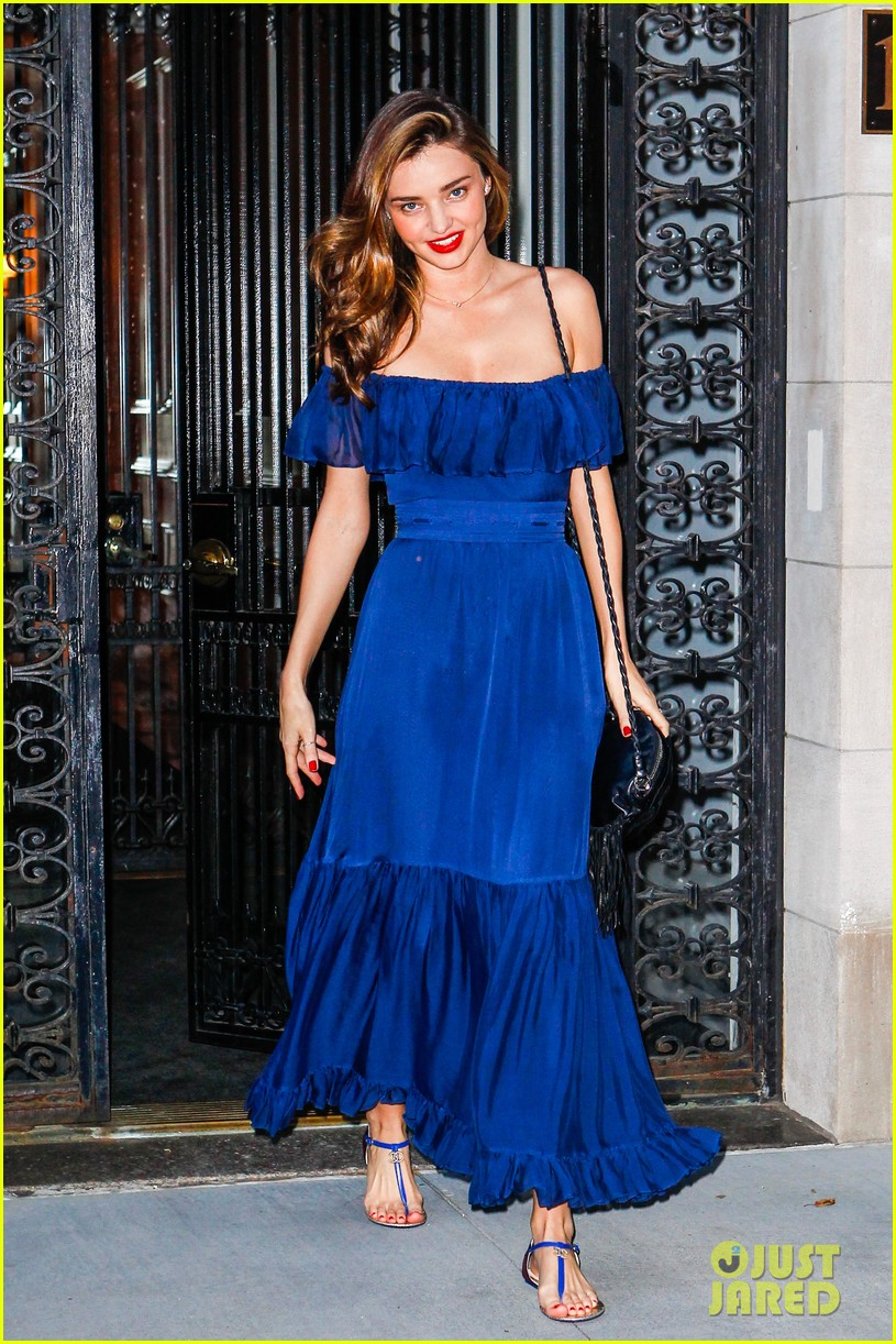 miranda kerr blue bombshell in new york city 01