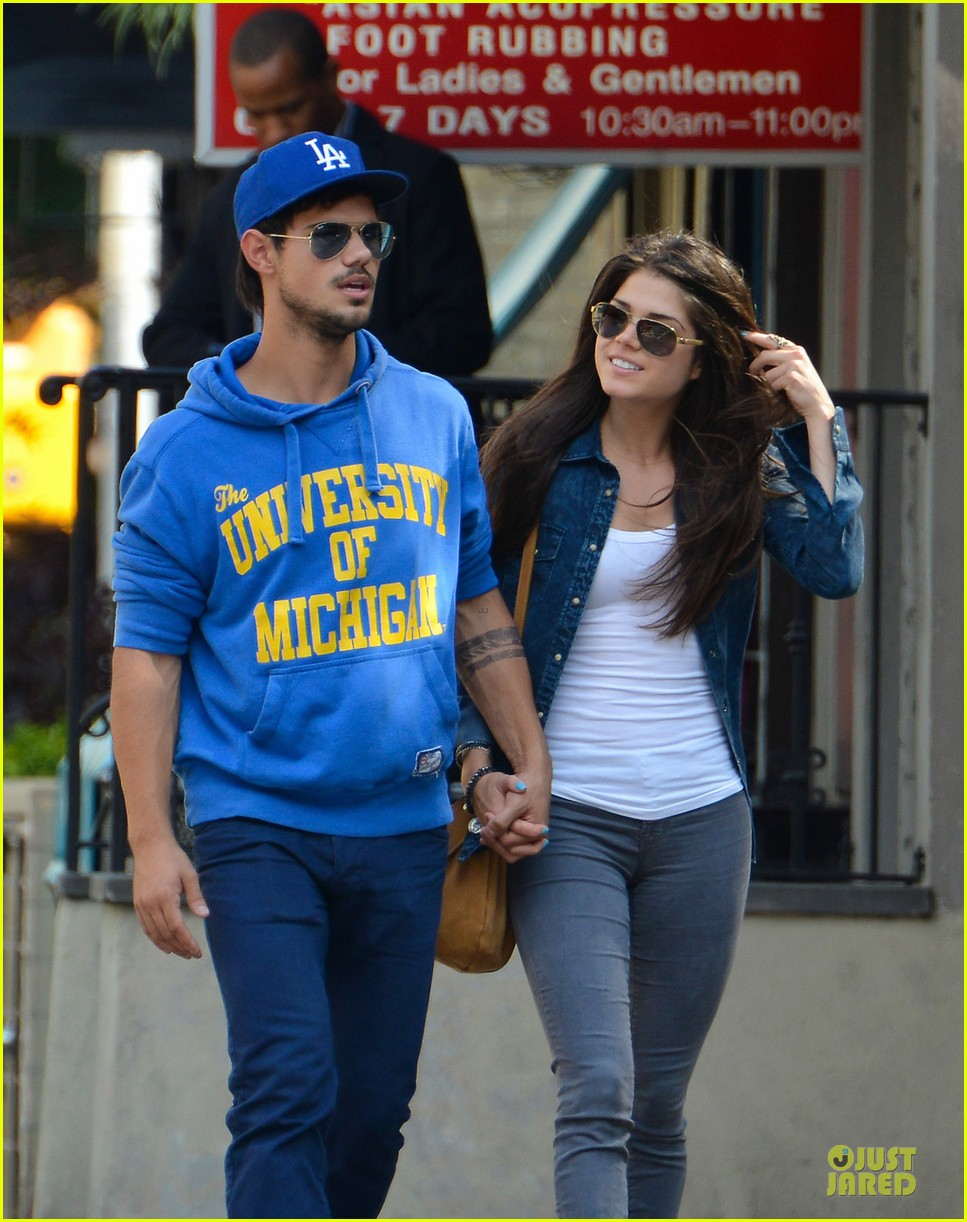 Taylor Lautner Marie Avgeropoulos Romantic Walk In Nyc