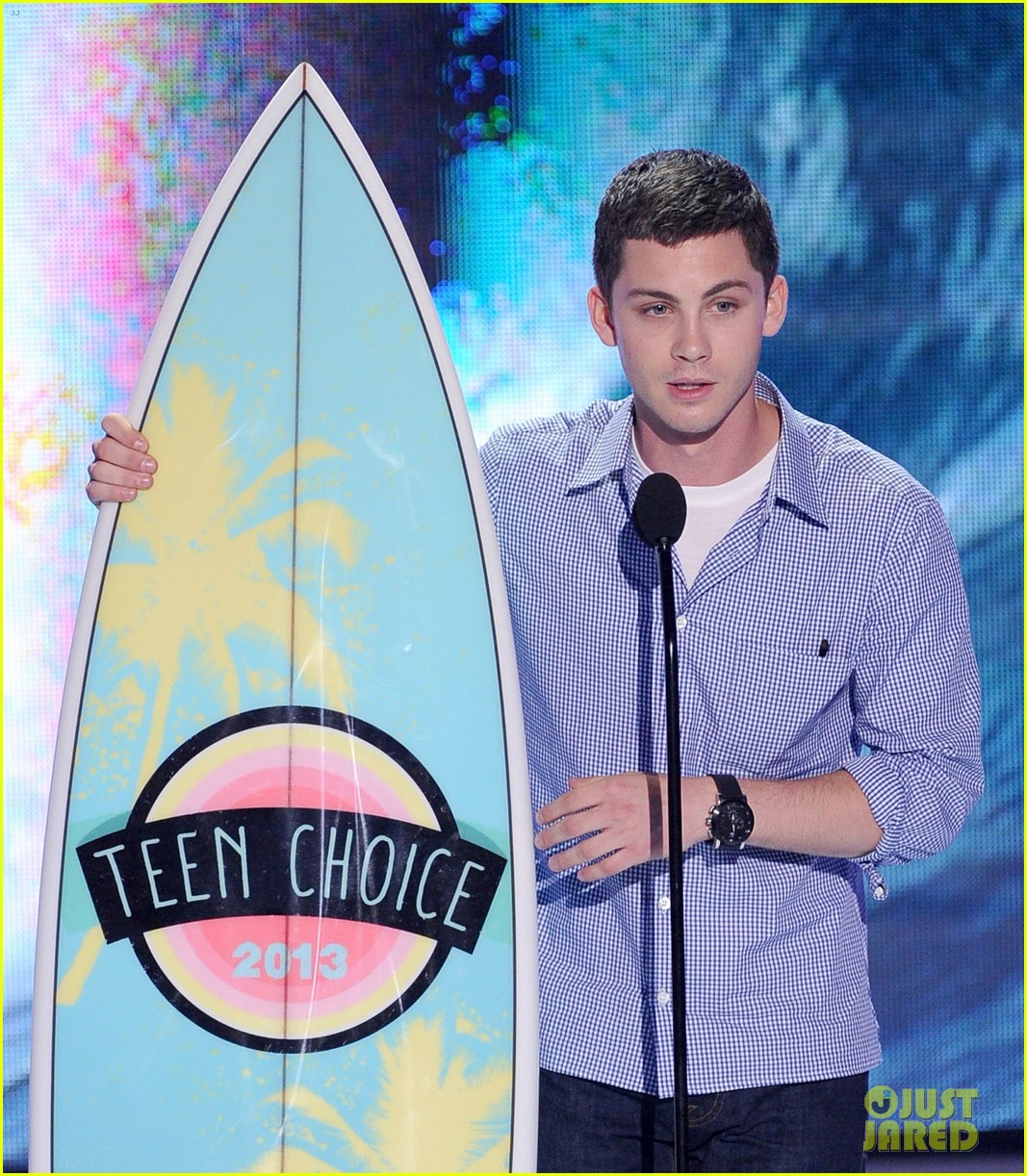 logan lerman alexandra daddario teen choice awards 2013 02