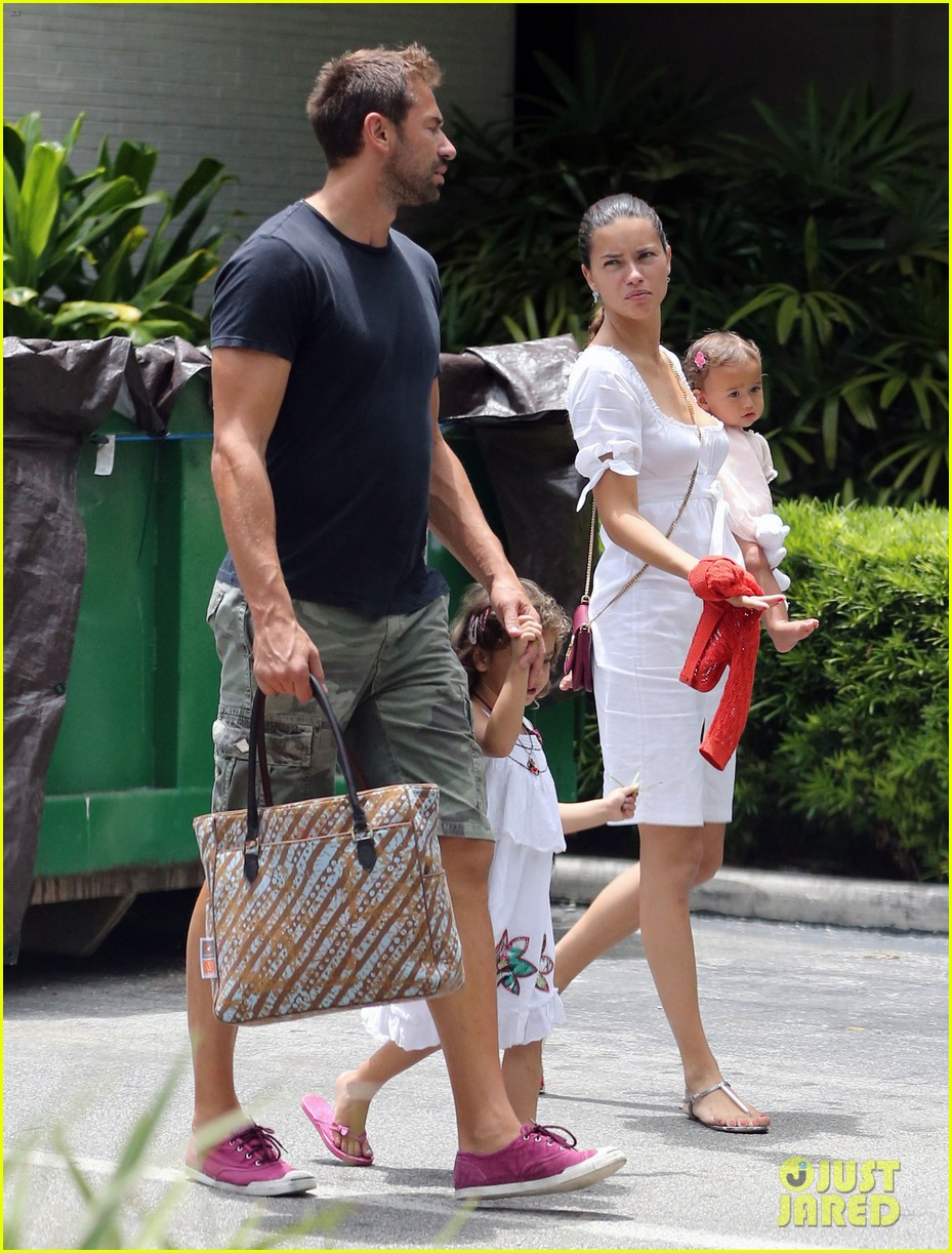 adriana lima spends relaxation day with her family 08