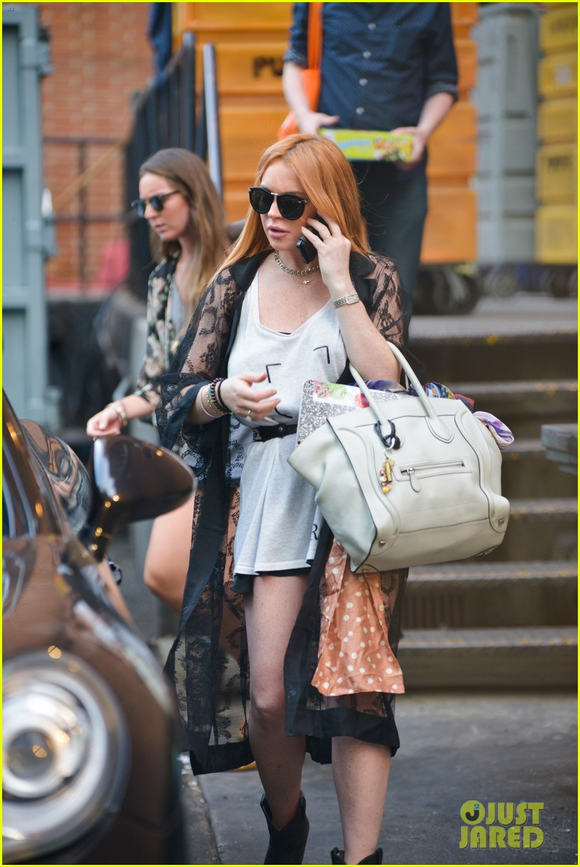 lindsay lohan gets behind the wheel in new york city 162940914