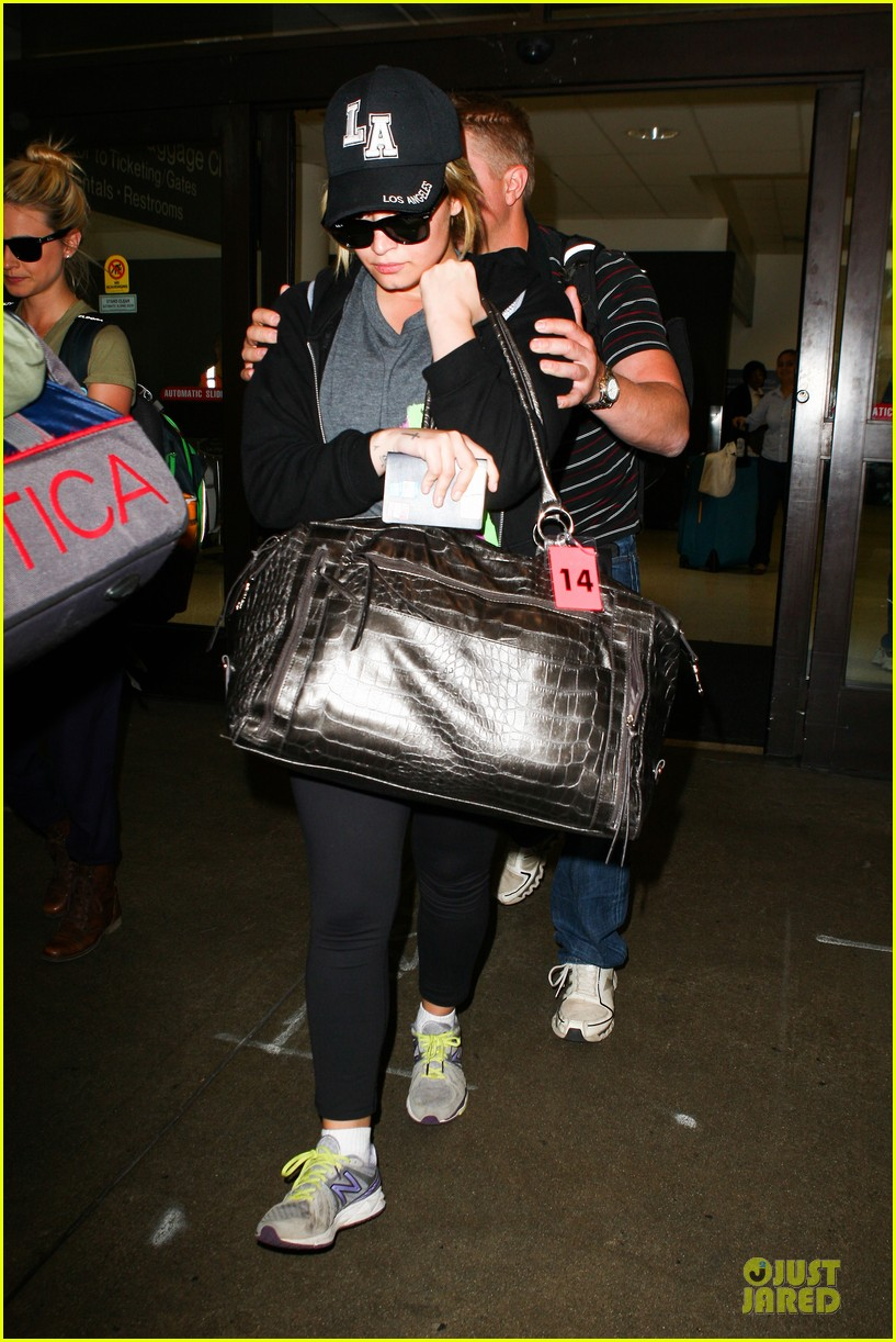 demi lovato itching to get back to kenya 01