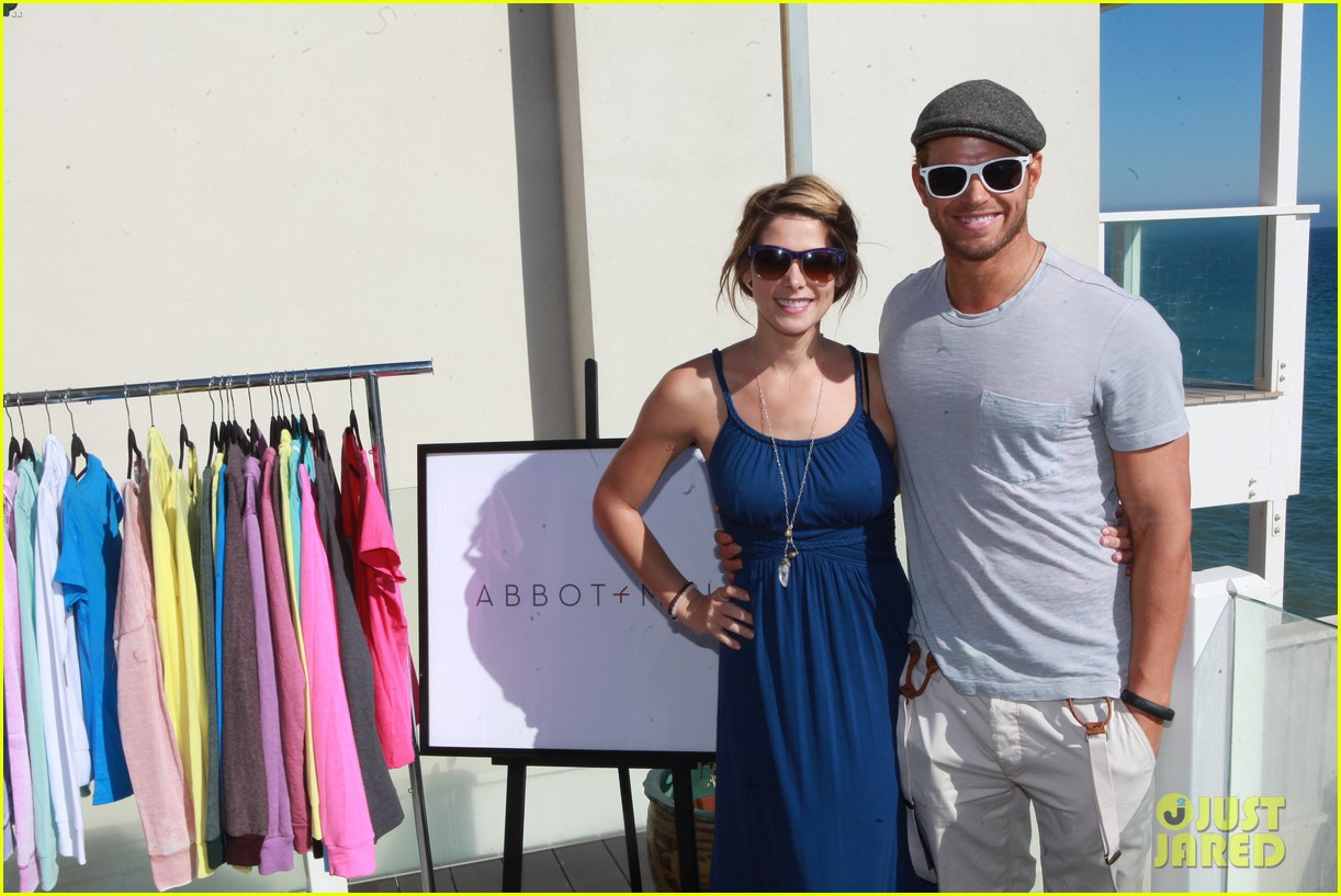 kellan lutz abbot main launch with ashley greene 092933393