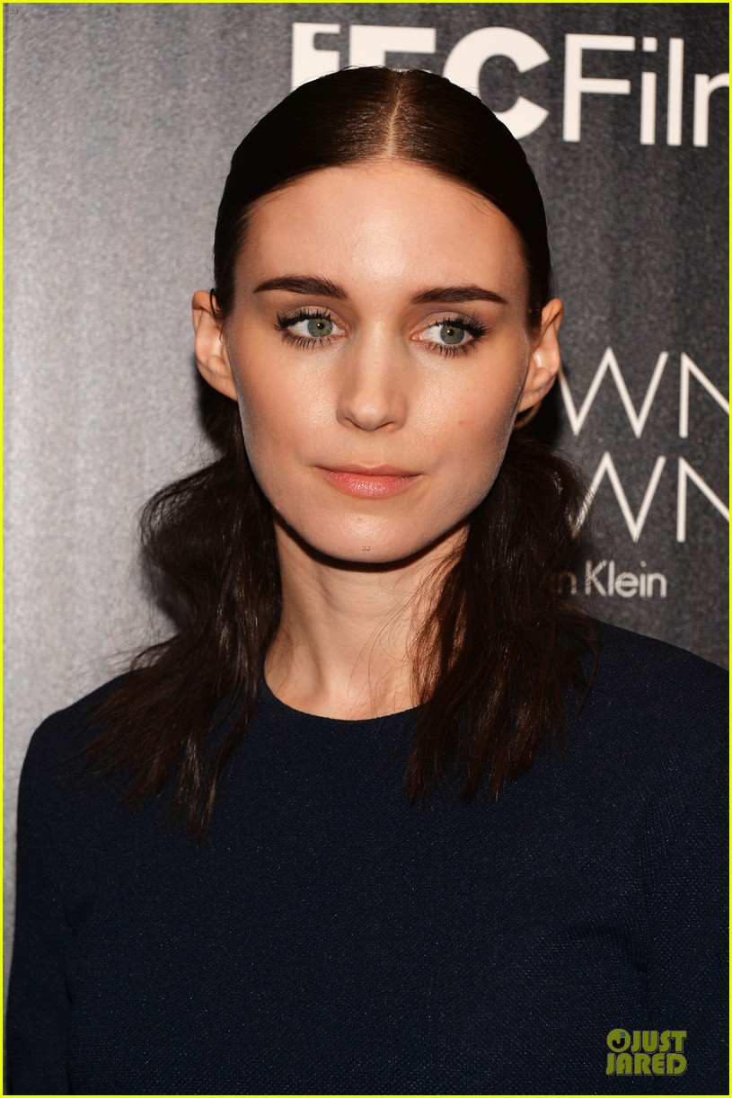 rooney mara bares midriff at aint them bodies saints screening 062929748