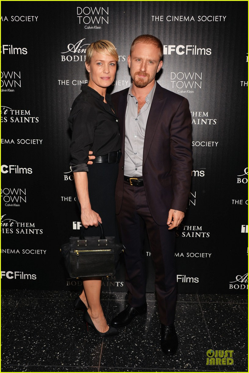 rooney mara bares midriff at aint them bodies saints screening 102929752