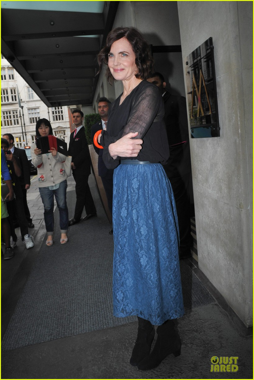 elizabeth mcgovern joanne froggati downton abbey press launch 30