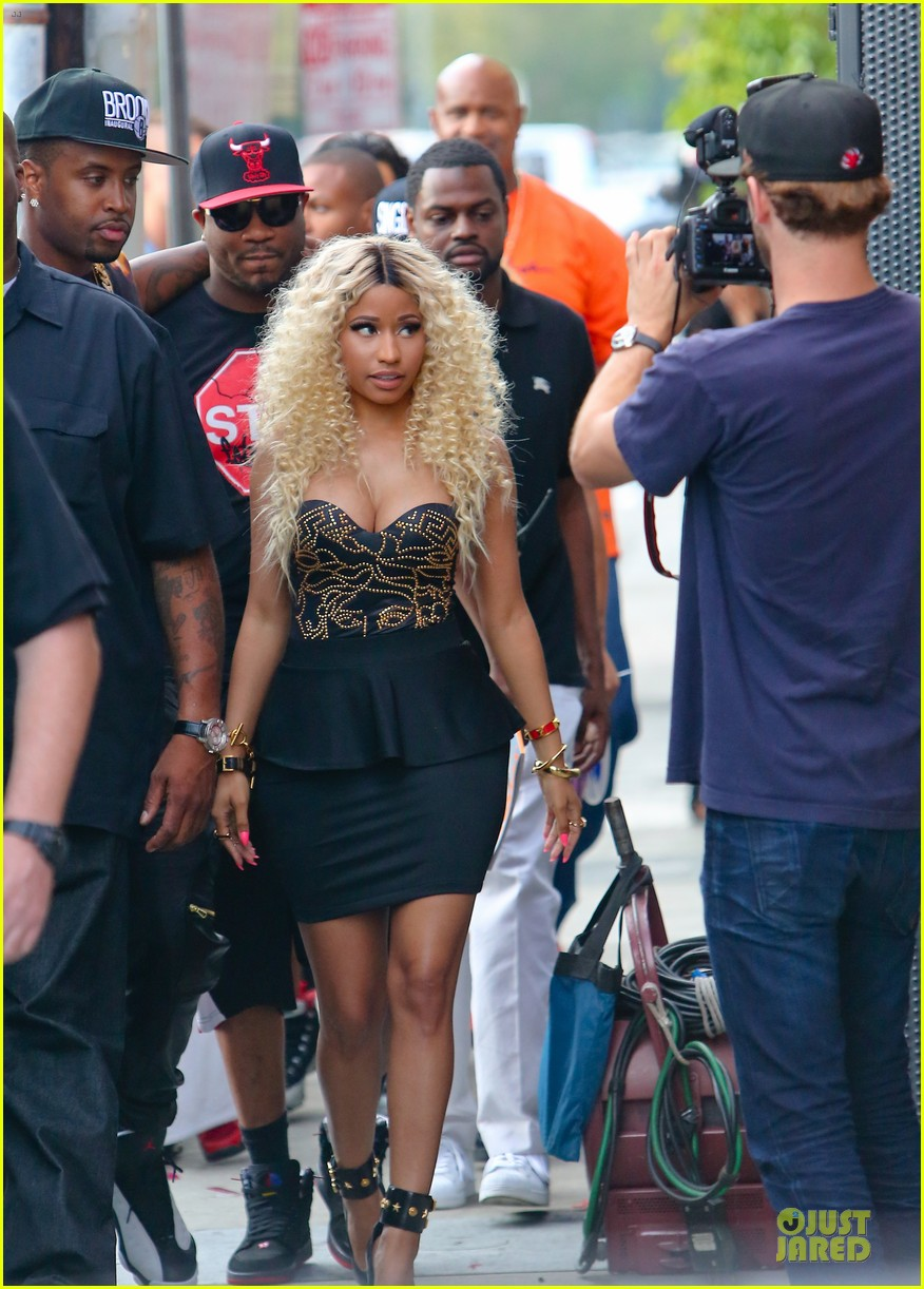 nicki minaj chris brown love more music video shoot 112922680