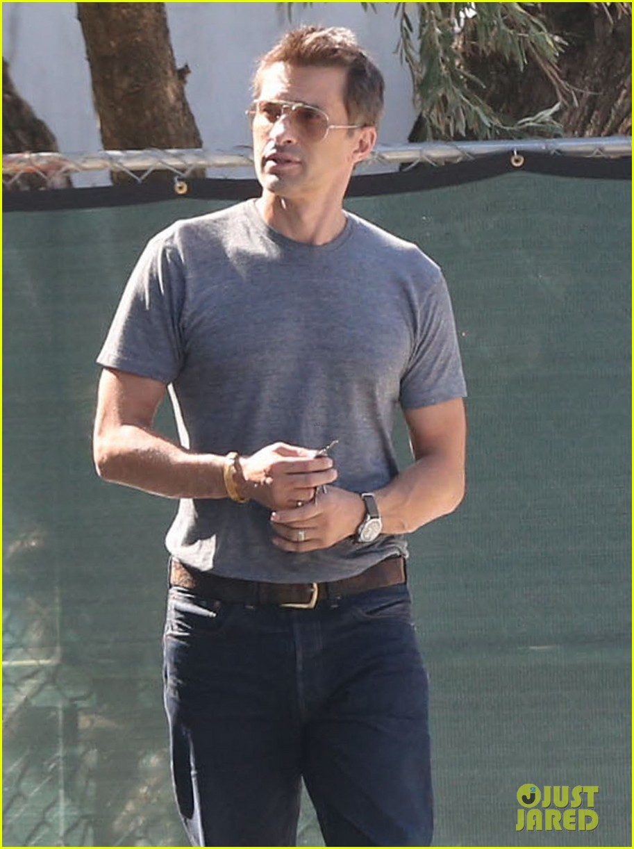 olivier martinez buys third baguette in a week 07