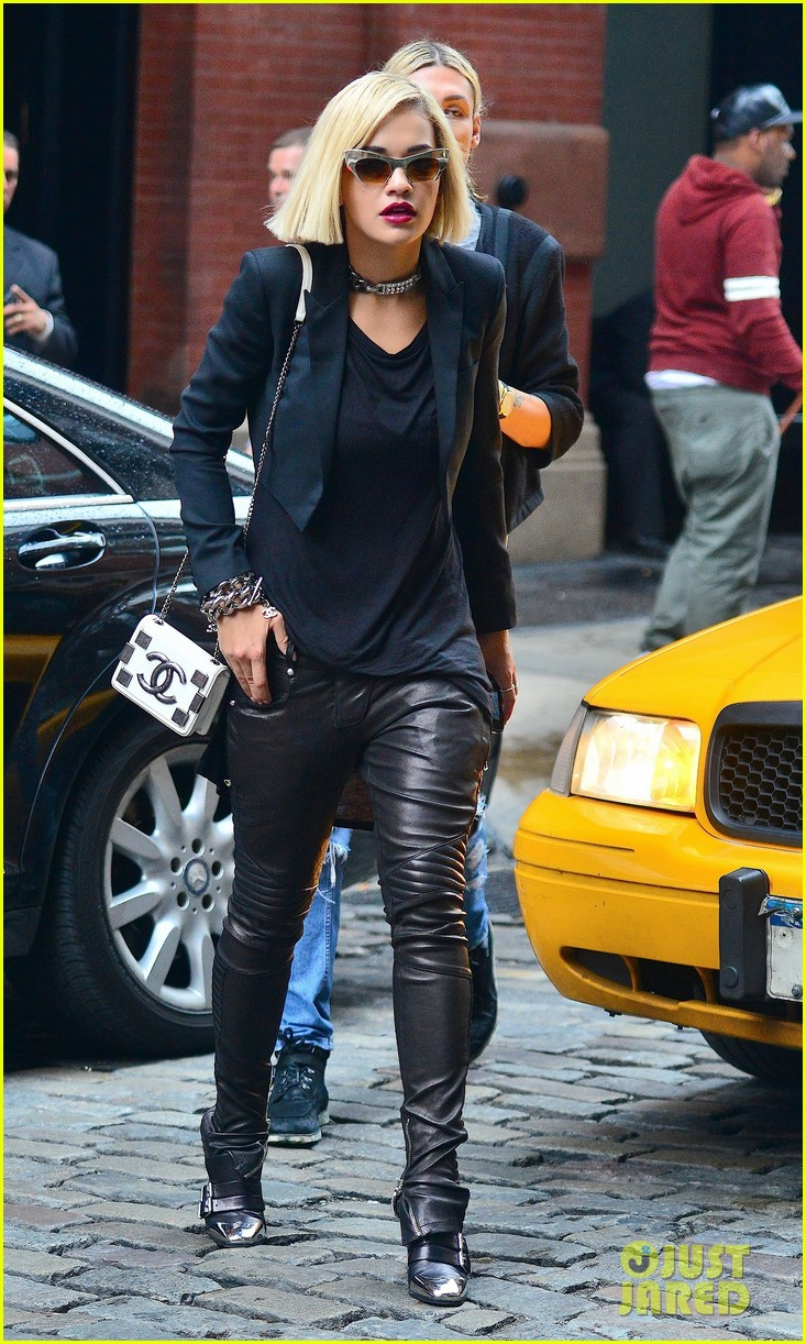 rita ora homebound after new york city trip 01