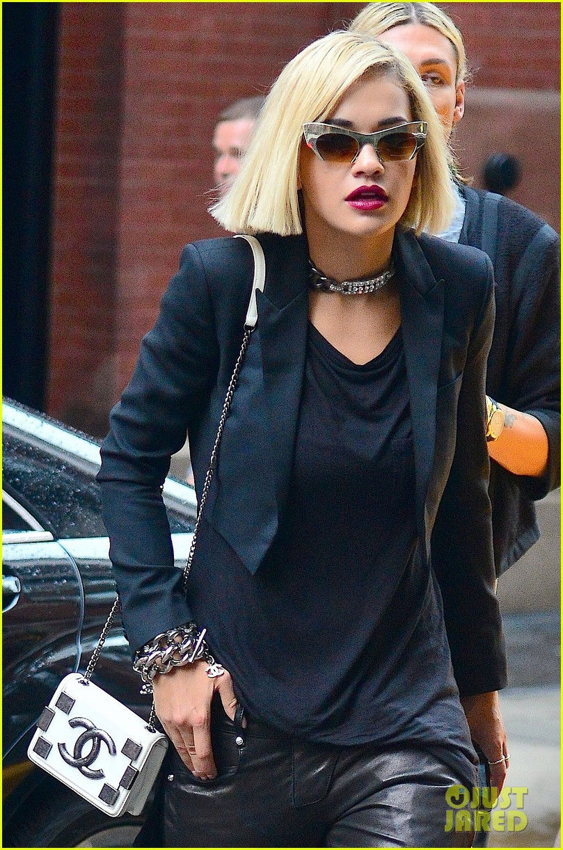 rita ora homebound after new york city trip 06