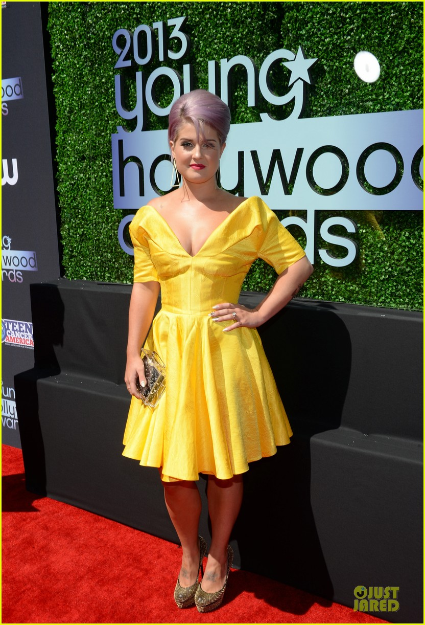 kelly osbourne matthew mosshart young hollywood awards 2013 red carpet 11