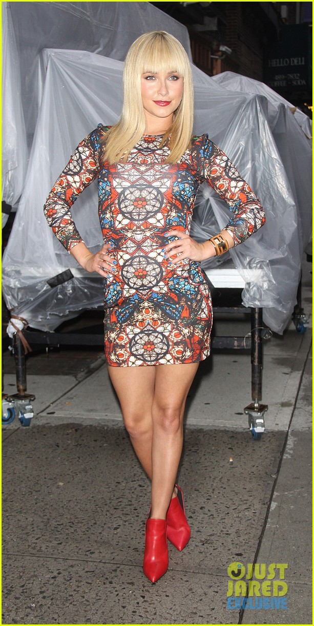 hayden panettiere debuts hot new bangs at letterman 01