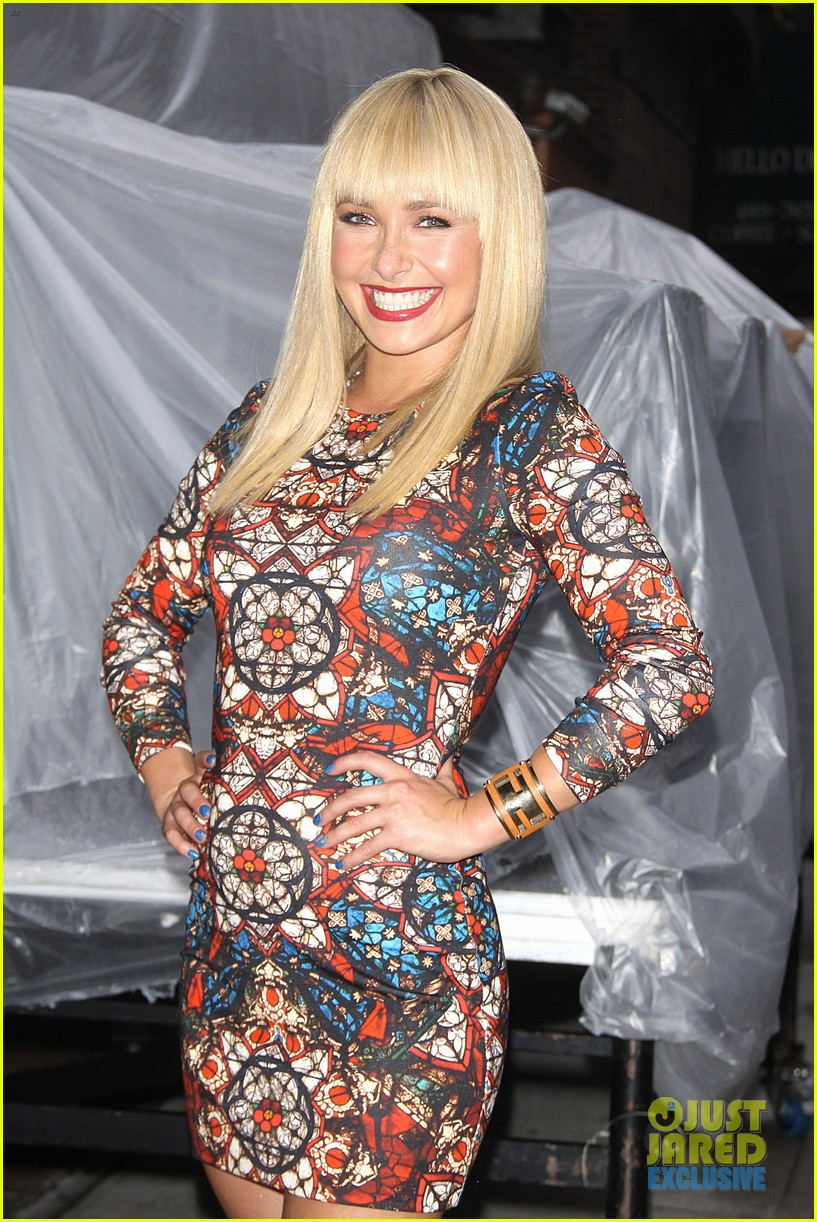 hayden panettiere debuts hot new bangs at letterman 022939492