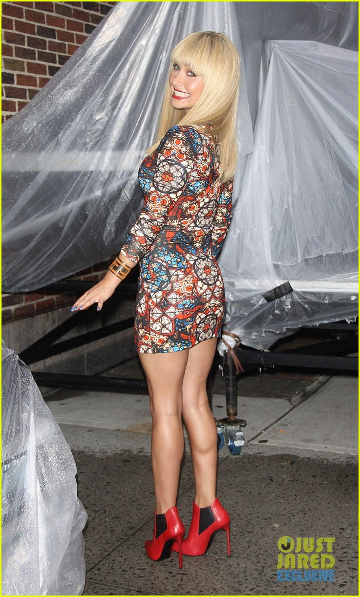 hayden panettiere debuts hot new bangs at letterman 052939495