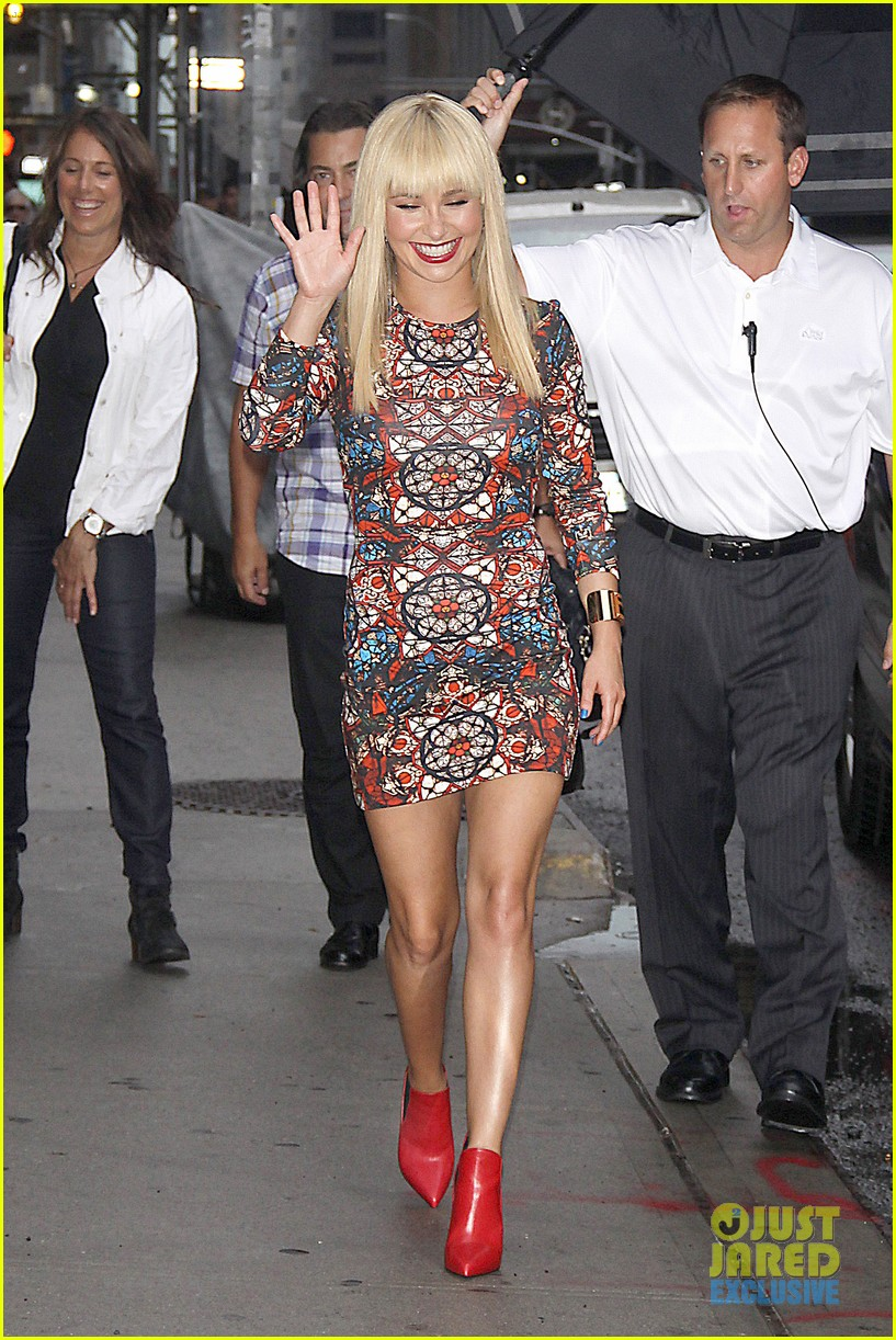 hayden panettiere debuts hot new bangs at letterman 152939505
