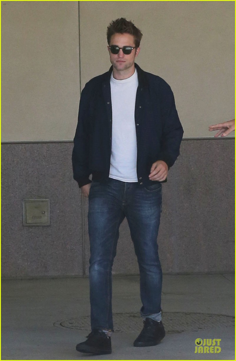 robert pattinson cool office building exit 132931595
