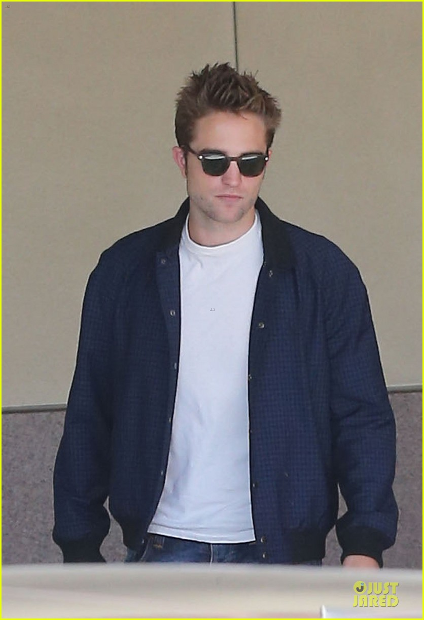 robert pattinson cool office building exit 162931598