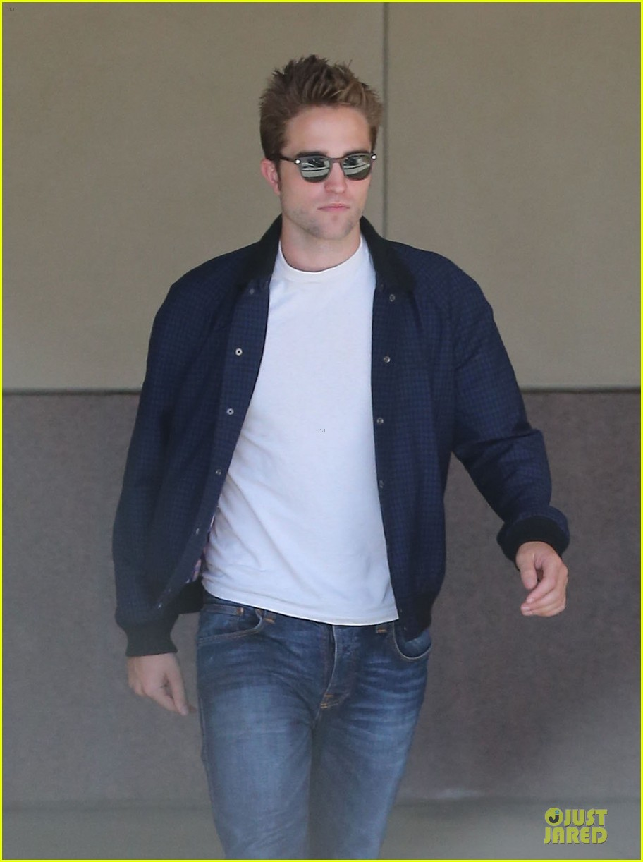 robert pattinson cool office building exit 182931600