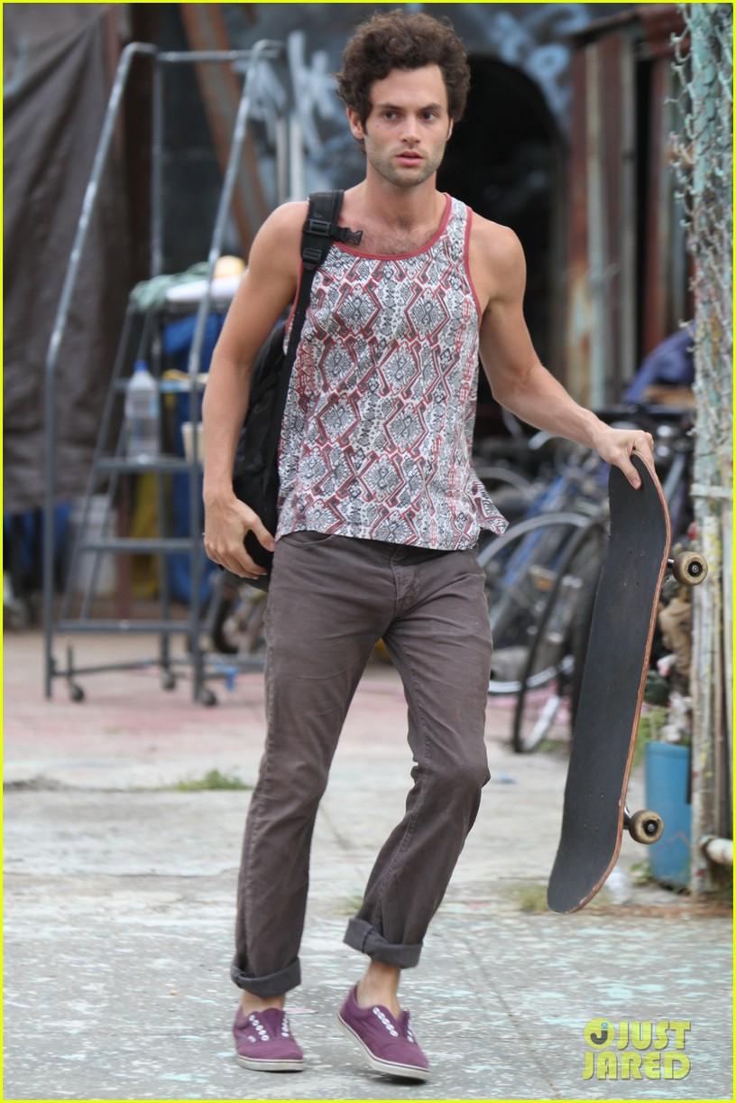 penn badgley cymbeline begins filming in brooklyn 01