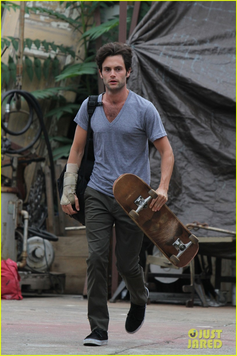 penn badgley cymbeline begins filming in brooklyn 042936261
