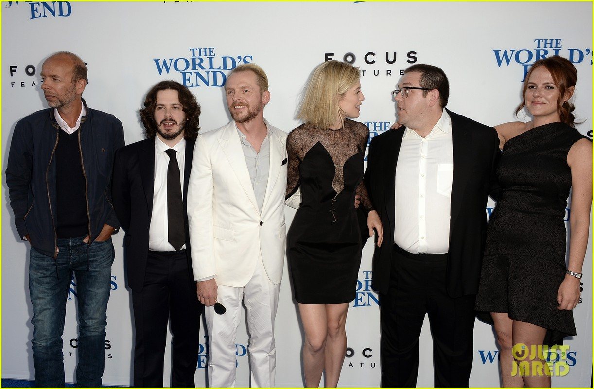 rosamund pike simon pegg worlds end premiere 20