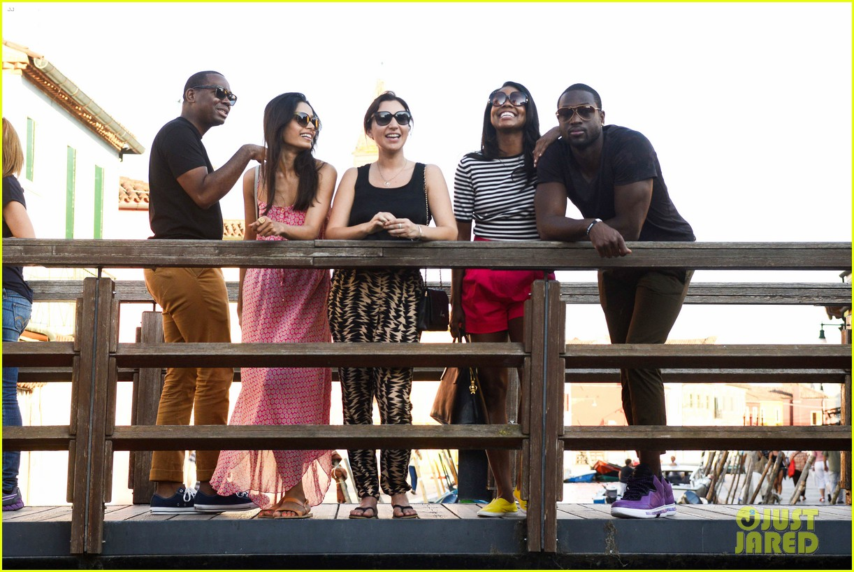 freida pinto venice sightseeing with gabrielle union dwyane wade 07