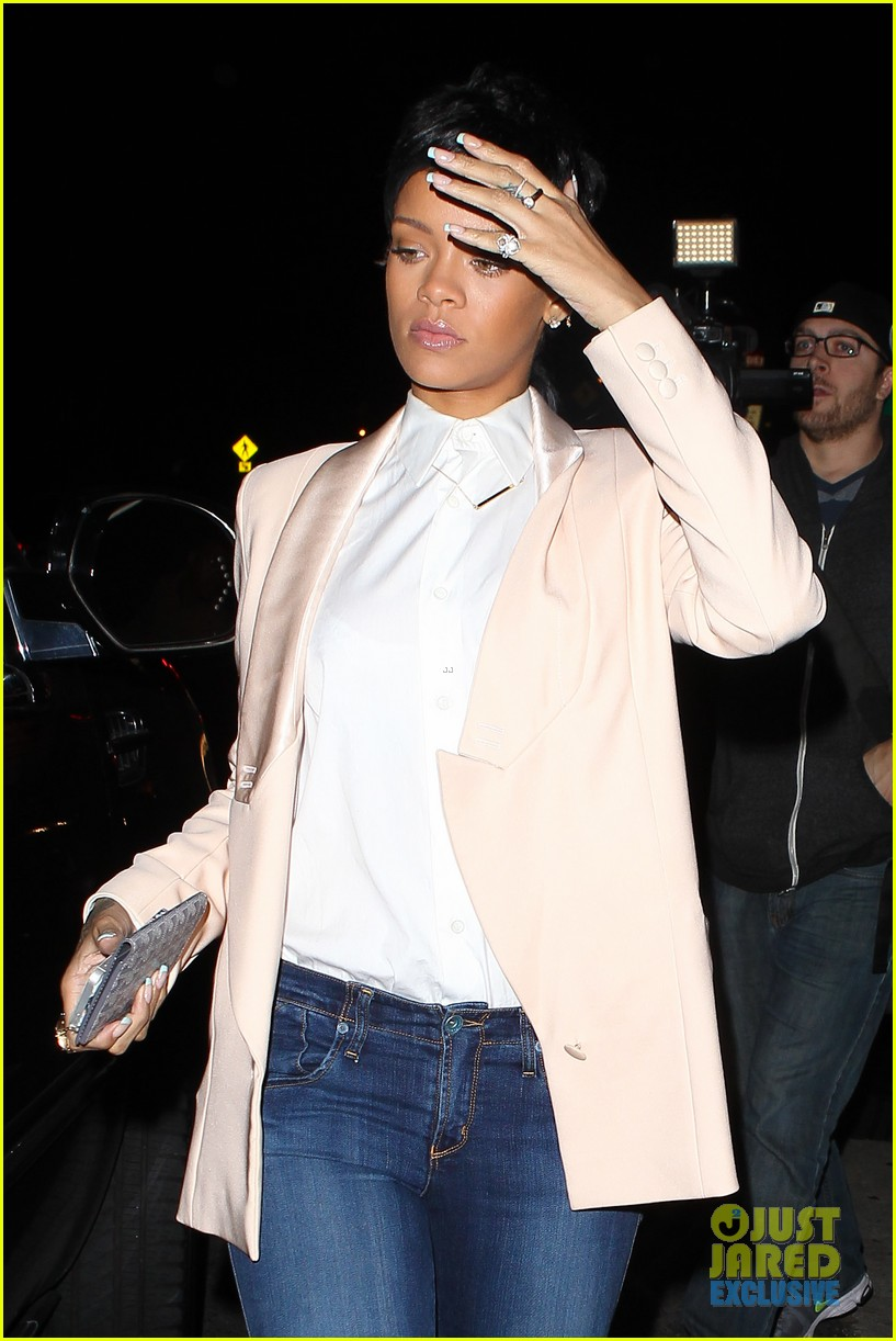 rihanna rocks mullet hairstyle for giorgio baldi dinner 14