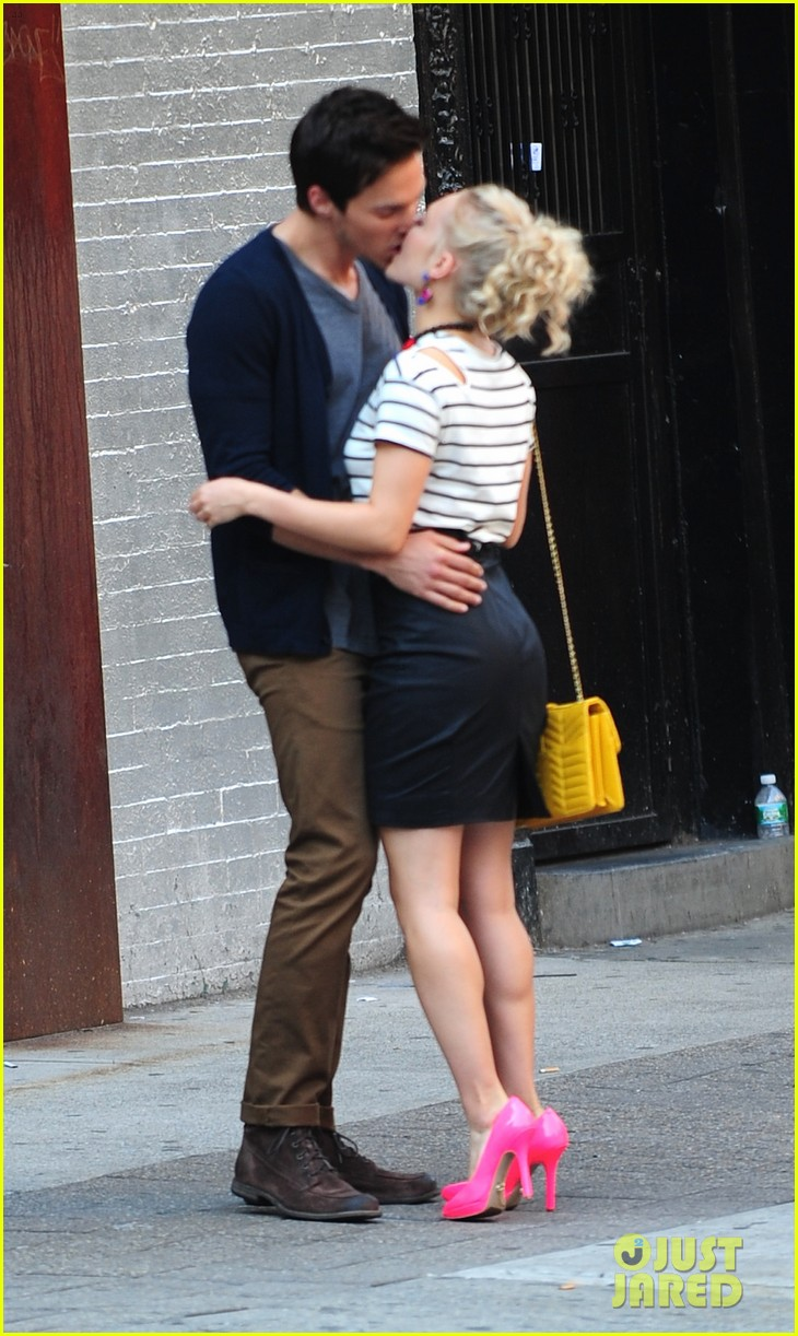 annasophia robb   u0026 39 carrie diaries u0026 39  kiss with chris wood